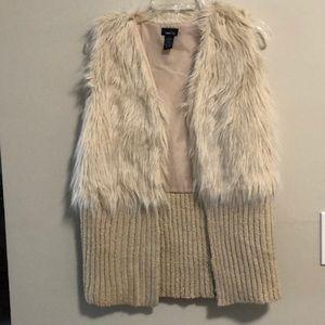 Rue 21 Fuzzy Vest Sweater SZ S Beige EUC